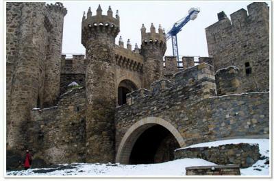 20081215131114-castilloecos.jpg