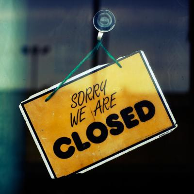 20100922205634-sorry-we-are-closed-b.jpg